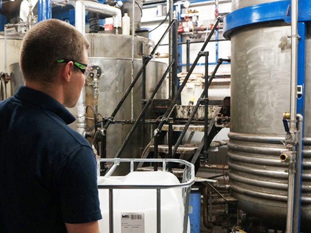 Produktionseinheiten -Manufacturing acid alkaline